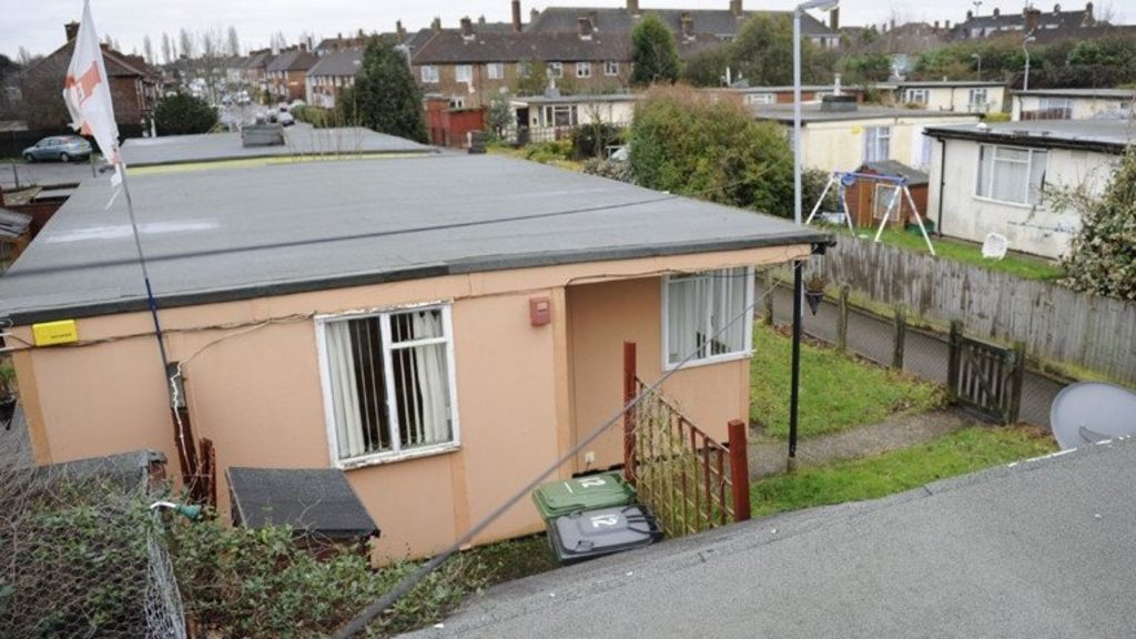 Prefab homes may 39 solve 39 bristol housing crisis bbc news for Fabricated home