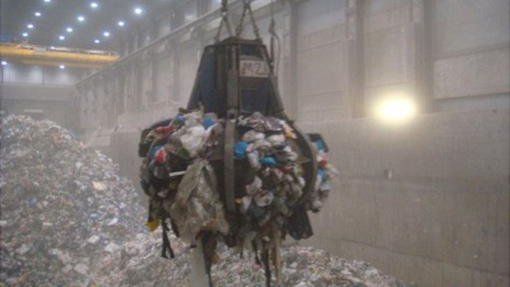 Norway uses waste as eco-friendly fuel - BBC News