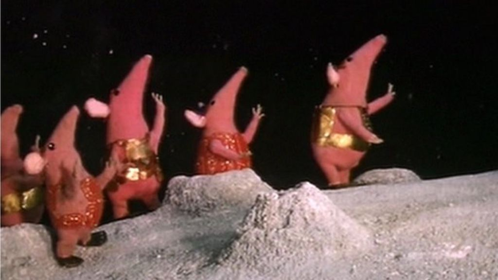The Clangers to make TV return in 2015 - BBC News