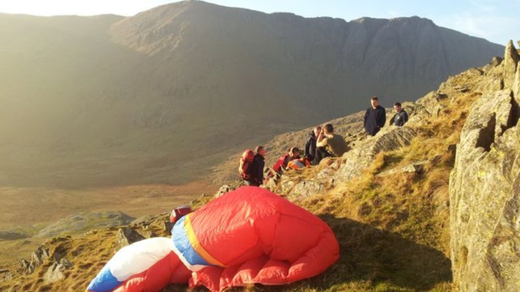 Paraglider blown-off-course injured in Lake District - BBC News
