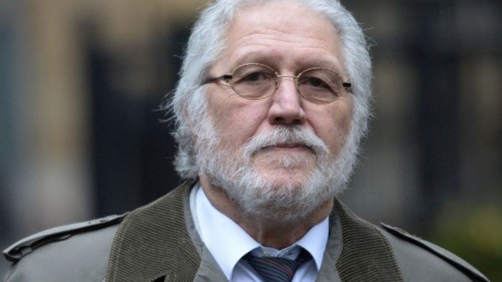 Dave Lee Travis trial: DJ 'touched reporter's breasts ...