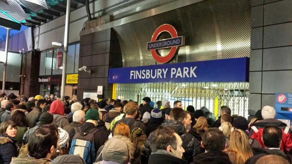 what are the peak hours for london underground