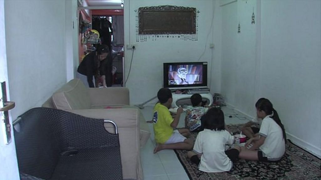 How do singapore 39 s poor families get by bbc news - Houses for families withchild ...