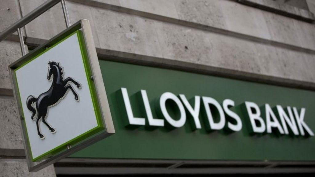 Lloyds Bank brings in single overdraft rate in radical shake-up