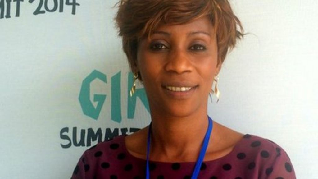 Senegalese hip hop star describes FGM ordeal - BBC News