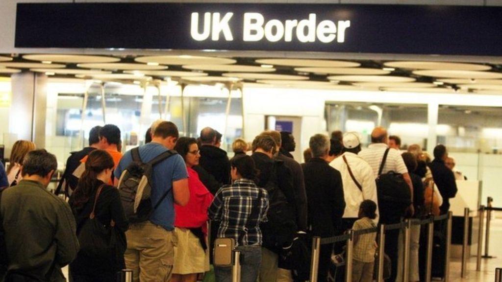 Outgoing migration inspector John Vine criticises management ...