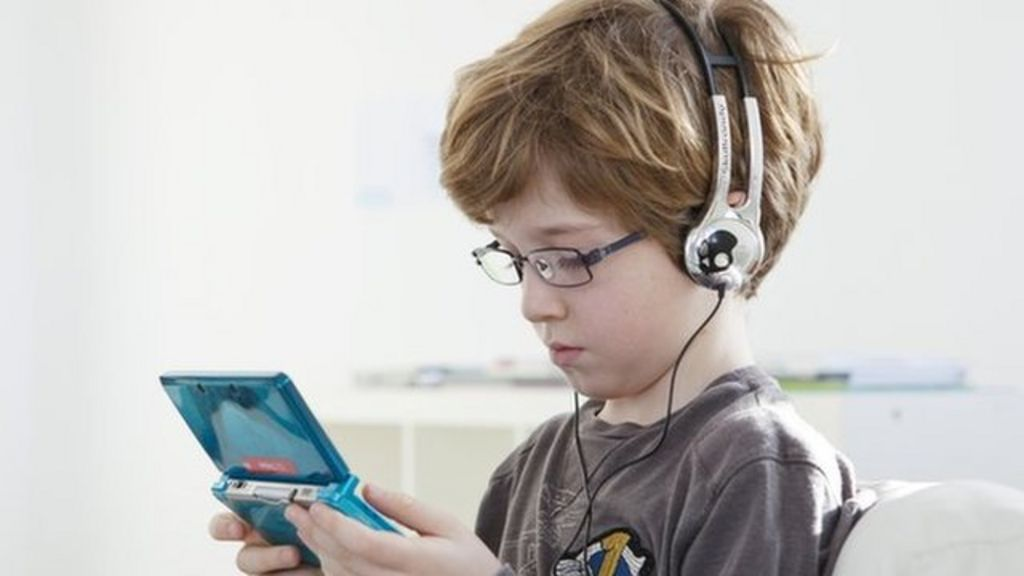 A little video gaming 'linked to well-adjusted children ...