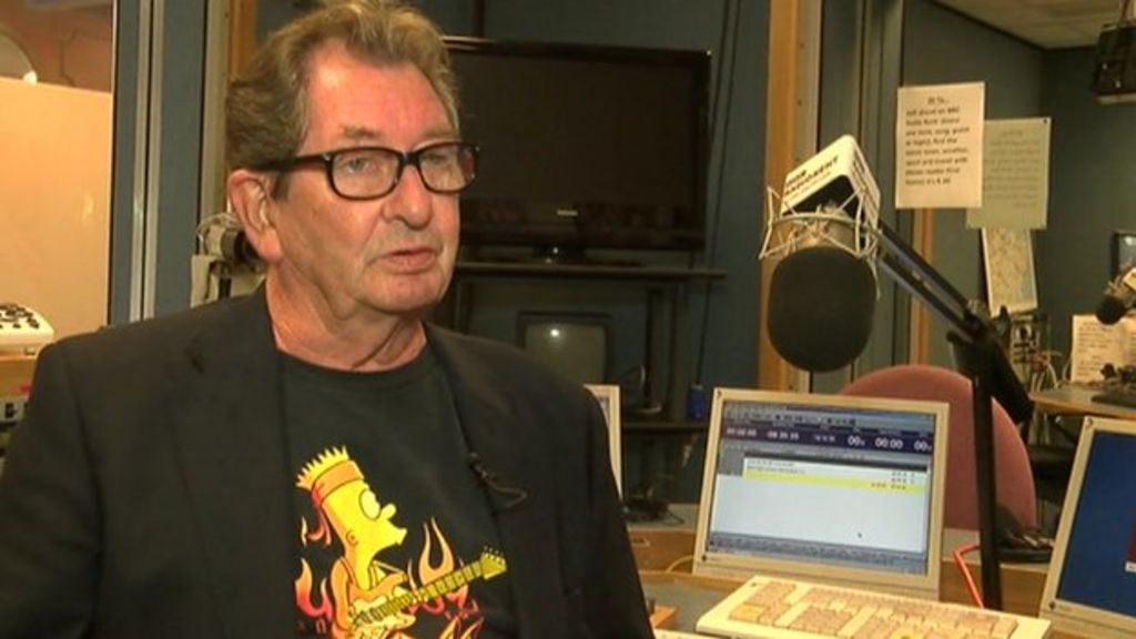 Radio 1 News: Veteran BBC Radio DJ Dave Cash Dies