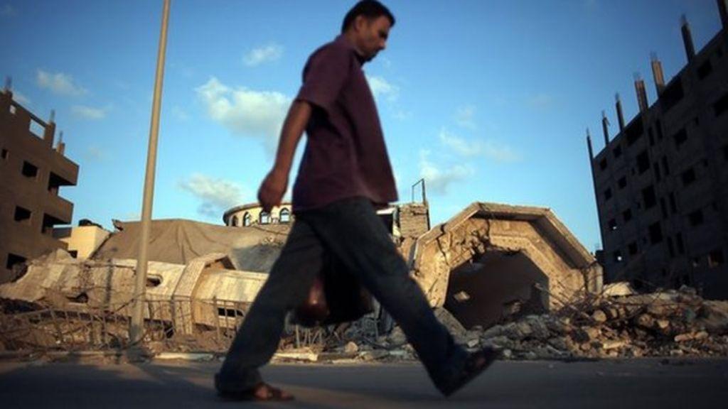 Gaza: Hamas says 18 suspected informants executed - BBC News