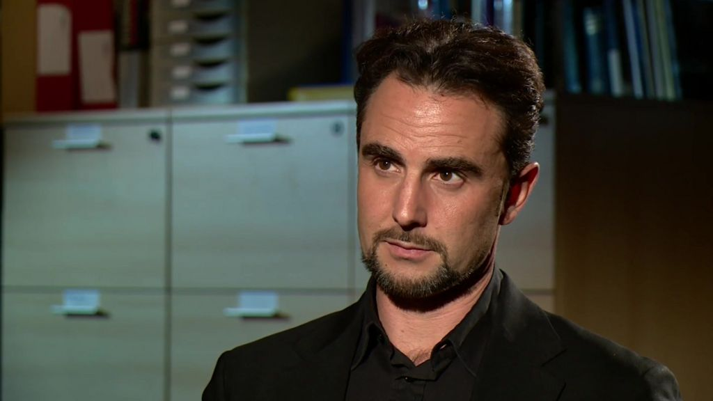 HSBC whistleblower's email to HMRC uncovered - BBC News