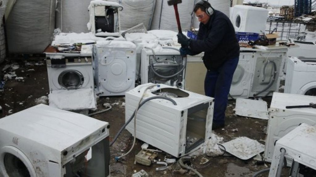 Microwaves And Dishwashers Dominate E Waste Mountain Bbc
