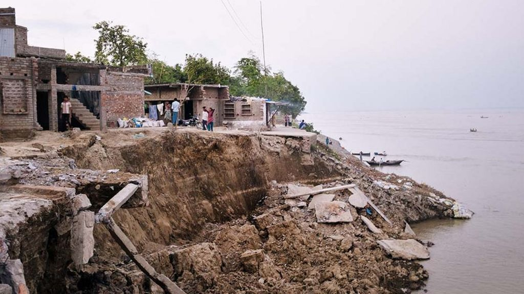 In pictures india river erosion bbc news for Soil erosion in hindi