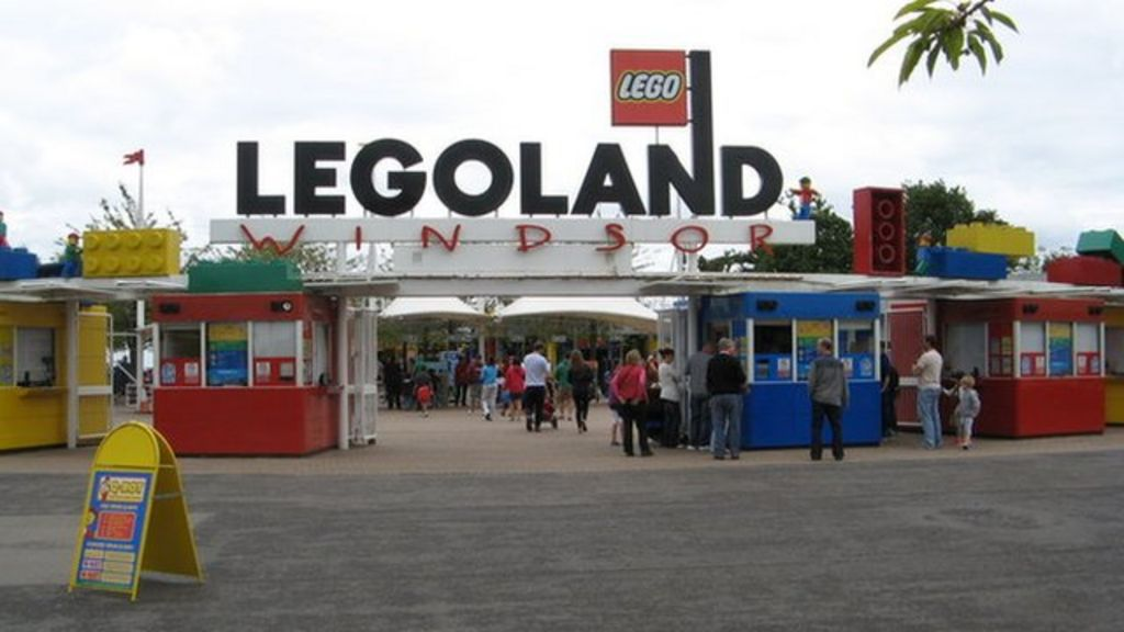 Legoland Windsor apologises to visitors over car park ...
