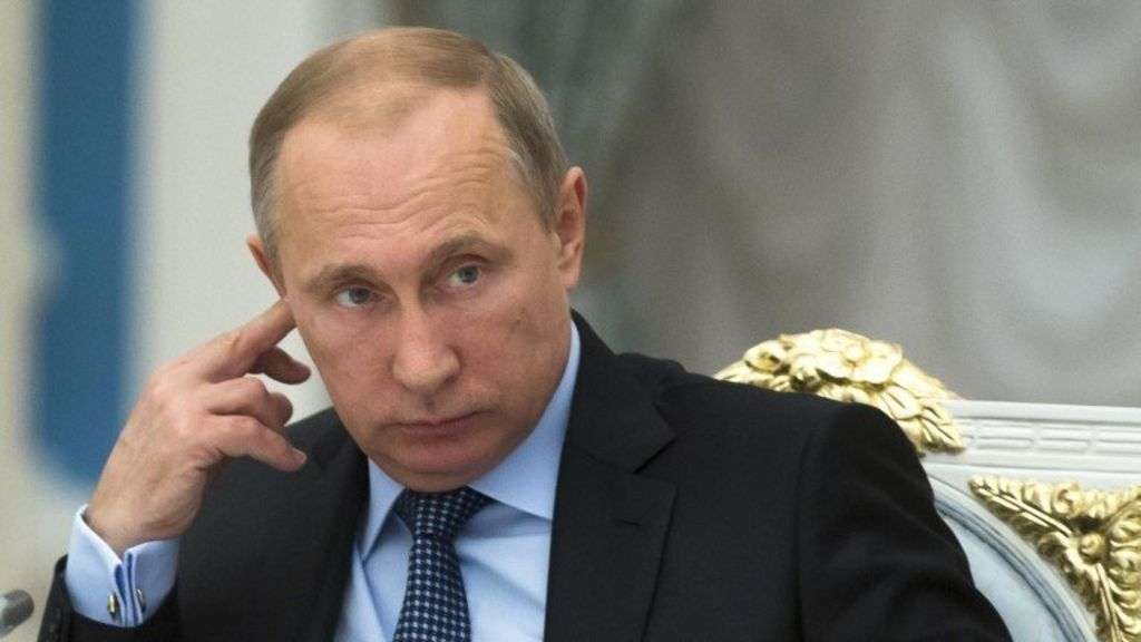 President Vladimir Putin tells West not to fear Russia - BBC News
