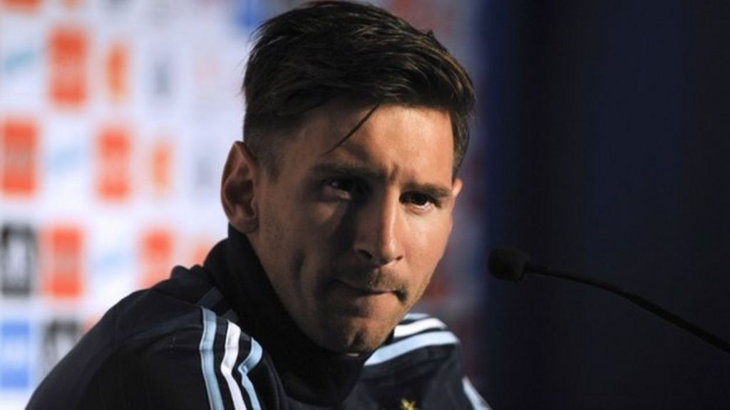 Spain drops tax charges against Messi but not father - BBC News