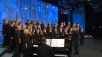 Côr heb fod yn llai na 20 mewn nifer (25) / Choir of no fewer than 20 members (25)