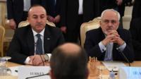 Dışişleri Bakanı Çavuşoğlu ve İran Dışişleri Bakanı Cevad Zarif (solda)