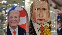 Russian dolls of Donald Trump (l) and Vladimir Putin (r)