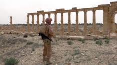 Palmyra - a Russian soldier in the ancient ruins, 7 Apr 16