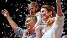Mauricio Macri celebrates victory with wife and daughter - 22 November