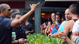 Obama makes haka sign