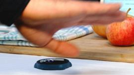 Bixi touch-free phone controller