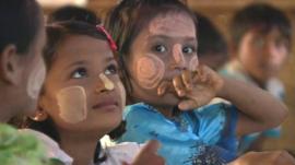Rohingya children at school