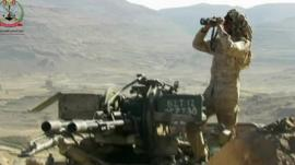 A soldier in the Yemeni national army