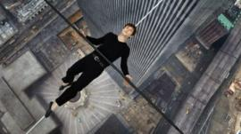 Joseph Gordon-Levitt plays tightrope walker Philippe Petit