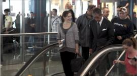 Amanda Knox on escalator