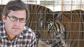 Louis Theroux with a tiger