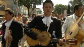 Mariachis parade