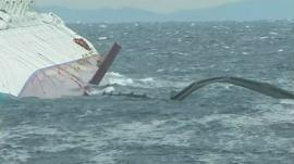 Rough seas around the Costa Concordia
