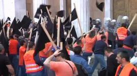 Dockworkers protesting