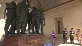 Queen unveils the WWII memorial