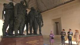 The Queen unveils the WWII memorial