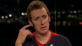 Bradley Wiggins discussing Sean Yates with Gary Lineker