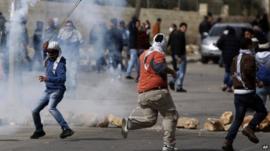 Protesters outside Ofer prison