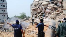 Police disperse crowds at collapsed Dhaka factory