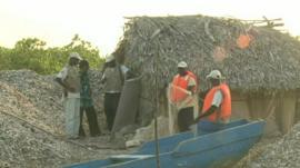 Kawawana officials and local people