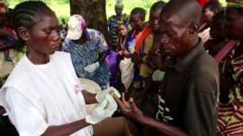 A Doctor from MSF treats a patient in the Central African Republic