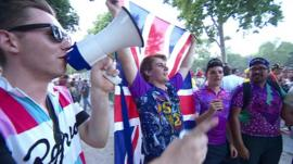 Fans of Chris Froome with Union flag