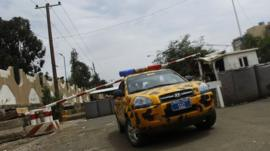Barricade at U.S. embassy in Sanaa August 5, 2013