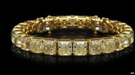 Jewels belonging to Israeli billionaire Lev Leviev were stolen by a gunman last month