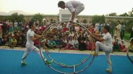 Children performing at the National Circus Festival