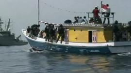 Boat carrying asylum seekers