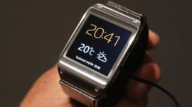 Samsung wristwatch smartphone