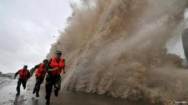 Wave hits the coast in Zhejiang