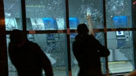 Protesters attacking Bank of Brazil