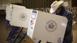 Man casting vote in New York
